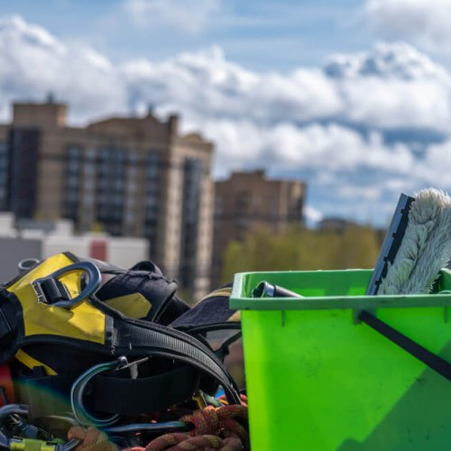 Equipment,For,Cleaning,Roof,Windows